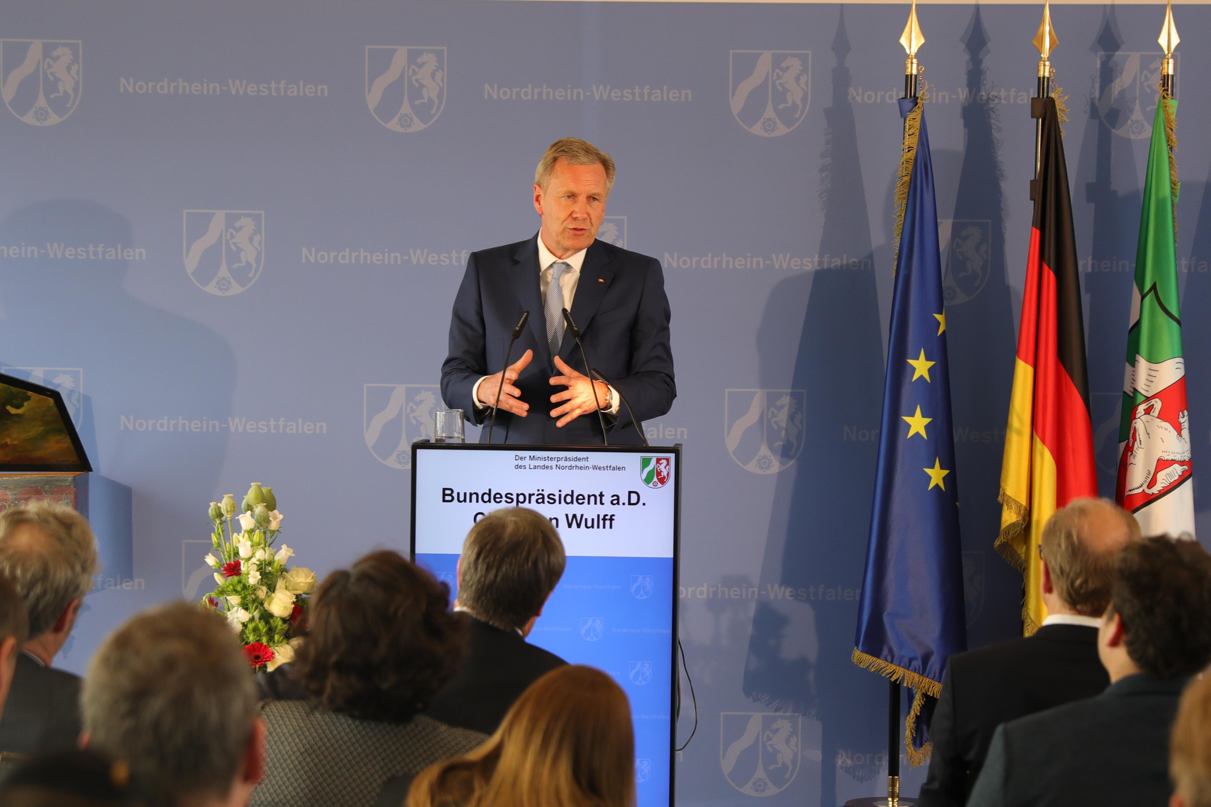Eski Cumhurbaşkanı Christian Wulff: Mevlüde Genç bir kahramandır